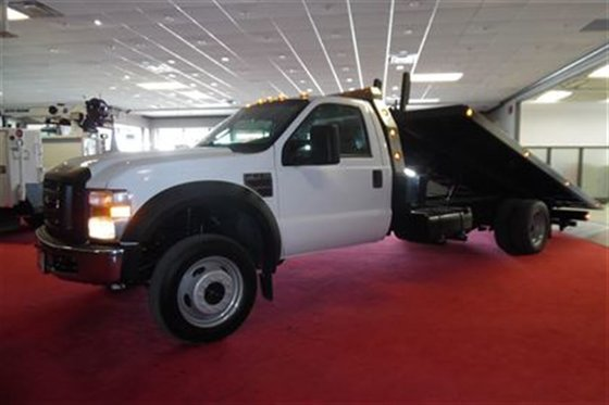 2009 Ford F-550 Two car