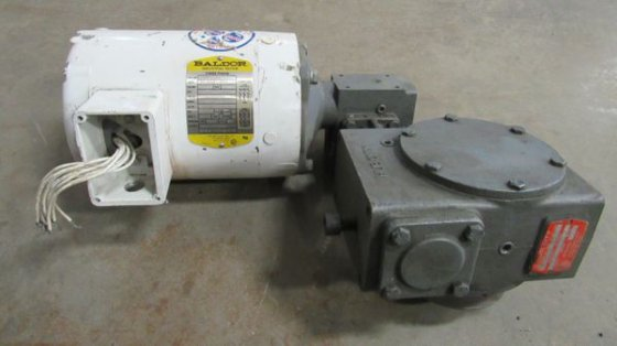 Baldor 3/4TE HP Motor (C/N: VWDM3542) & Hub City Worm Gear Drive (M/N:  2604) in Fargo, ND, USA