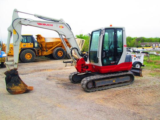 2013 TAKEUCHI TB250 Excavator -
