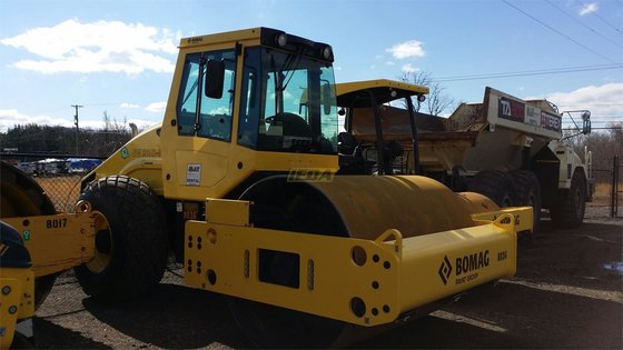 2015 Bomag BW211D-50 in Lexington,