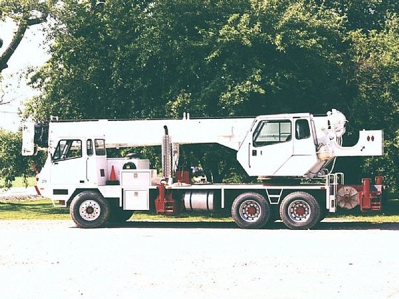 1997 25 ton Lorain Mobile