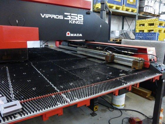 2000 33 ton Amada Model