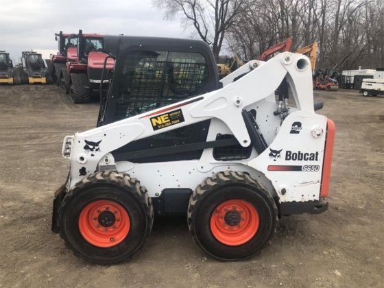 2015 BOBCAT S650 in Des Moines, IA, USA
