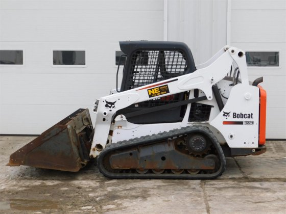 2015 BOBCAT T590 in Des Moines, IA, USA