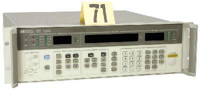 HP 8657B RF Signal Generator