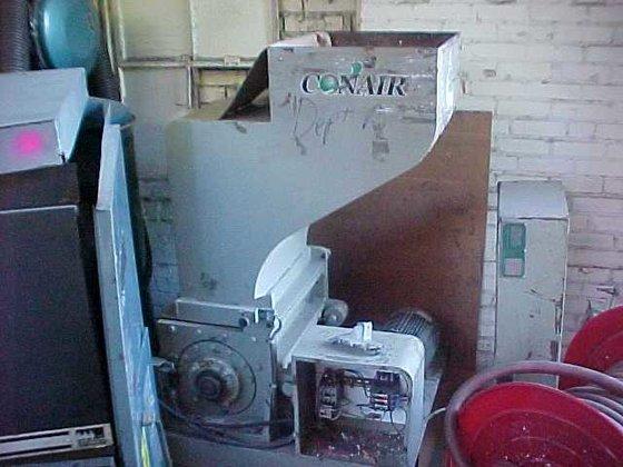 CONAIR LP-400 GRINDER (GRANULATOR) in