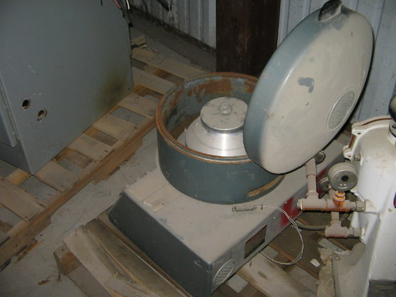 SORVALL SS3 LAB CENTRIFUGE in