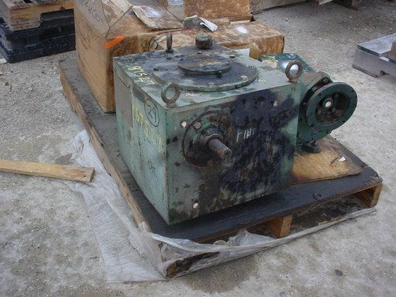 LIGHTNIN 73-S-10 AGITATOR GEAR BOX