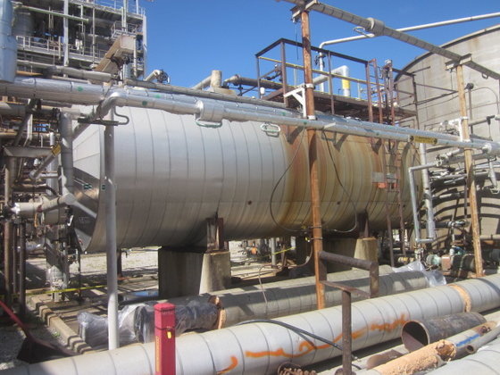 BROWN STEEL WATER SEPARATOR TANK