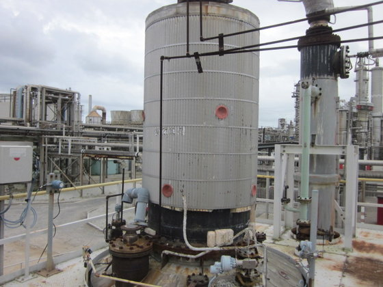 INDUSTRIAL PIPING SUPPLY COLUMN in