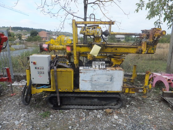 Coring drill rig for small