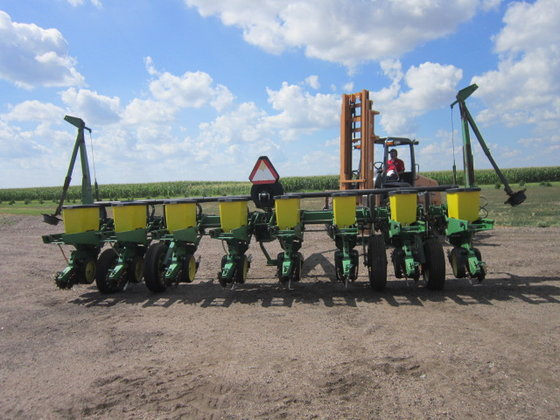 John Deere 7200 Planter In Hoxie Ks Usa