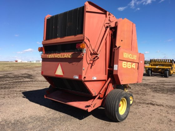 1997 New Holland 664 Round Baler in Hoxie, KS, USA