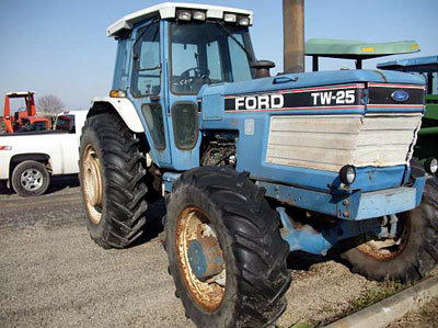 Ford TW25 (TRACTOR) in Watertown,