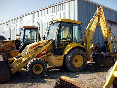 New Holland Construction LB75B in