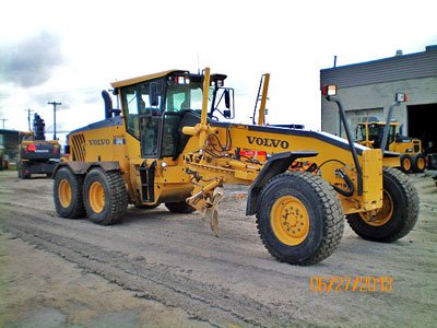 2008 VOLVO G946 in Winnipeg,