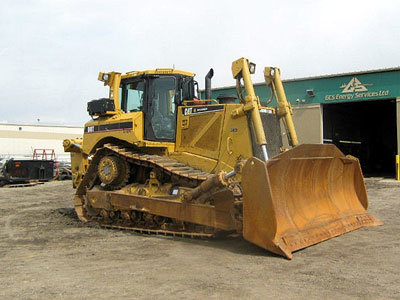 2006 CATERPILLAR D8T in Red