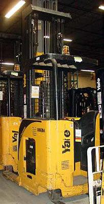 2009 Yale NR045EA in Menomonee