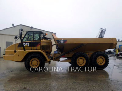 2014 CATERPILLAR 725 in Charlotte,