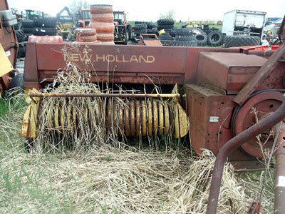 New Holland Agriculture 315 in