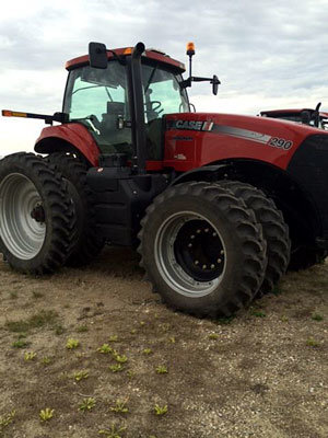 2014 CASE MAG290 in Brandon,