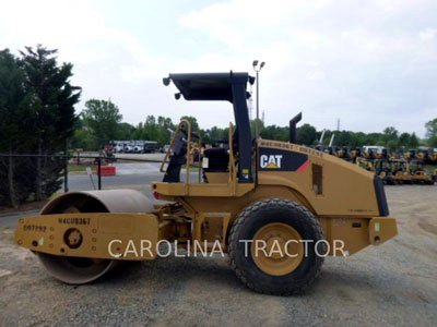 2012 CATERPILLAR CS44 in Greensboro,