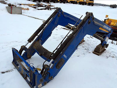 2014 NEW HOLLAND 845TL in