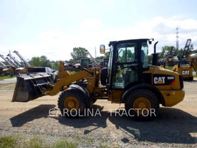 2011 CATERPILLAR 906H in Charlotte,