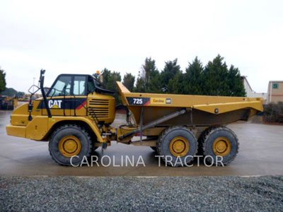 2013 CATERPILLAR 725 in Greensboro,
