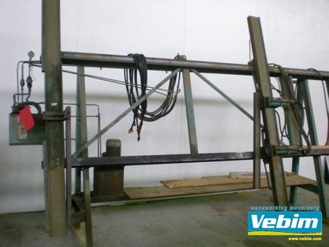 1969 Window and frame clamp