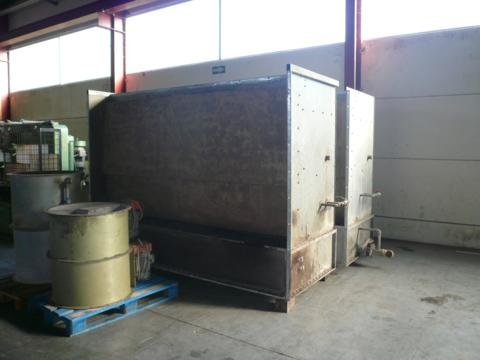 1988 manual spray booth with