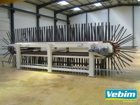 Cooling conveyor for pressed doors