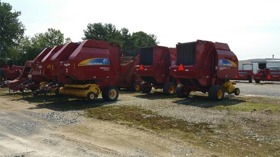 2014 New Holland BR7070 in
