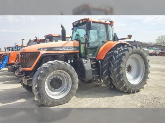 2005 AGCO DT220A in Waupun,