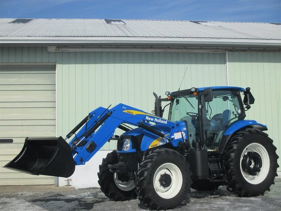2011 New Holland T6050 in