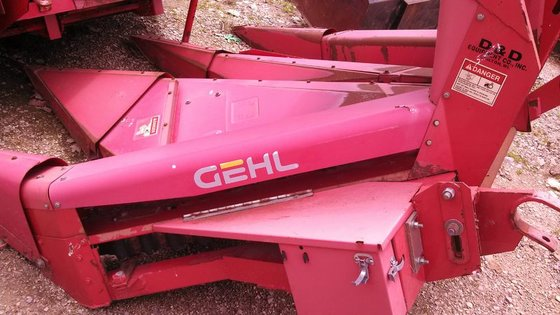 Gehl TR330 in Chilton, WI