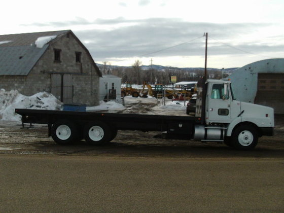 1995 Volvo Flatbed truck in