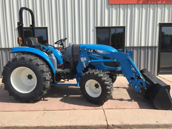 2015 LS XR4040H in Dassel,