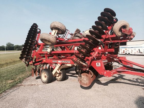 2010 Krause 8200 in Mount