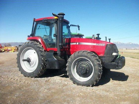 2004 Case IH MX255 in