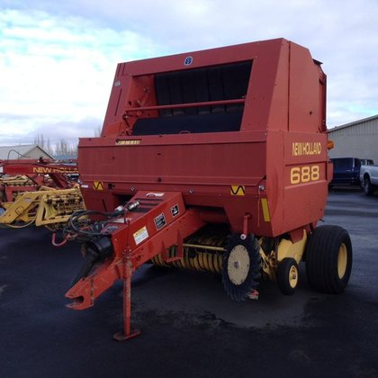 2000 New Holland 688 in