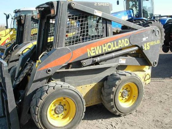 2005 New Holland LS185B in