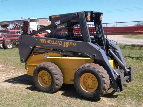 2004 New Holland LS180 in
