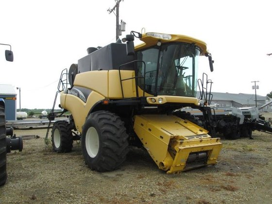 2002 New Holland CR960 in