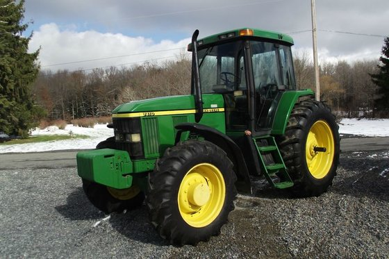John Deere 7410 in Windber,