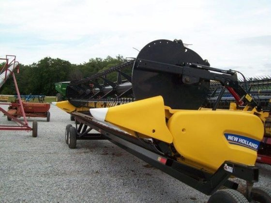 2012 New Holland 880CF-30 in