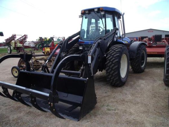 2010 New Holland TV6070 in