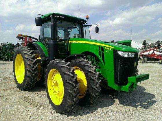 2011 John Deere 8310R in