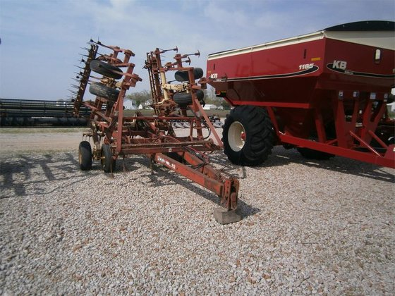 Krause 4200 in Rohlfs Implement