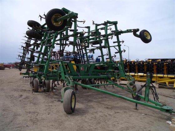 2002 John Deere 2200 in